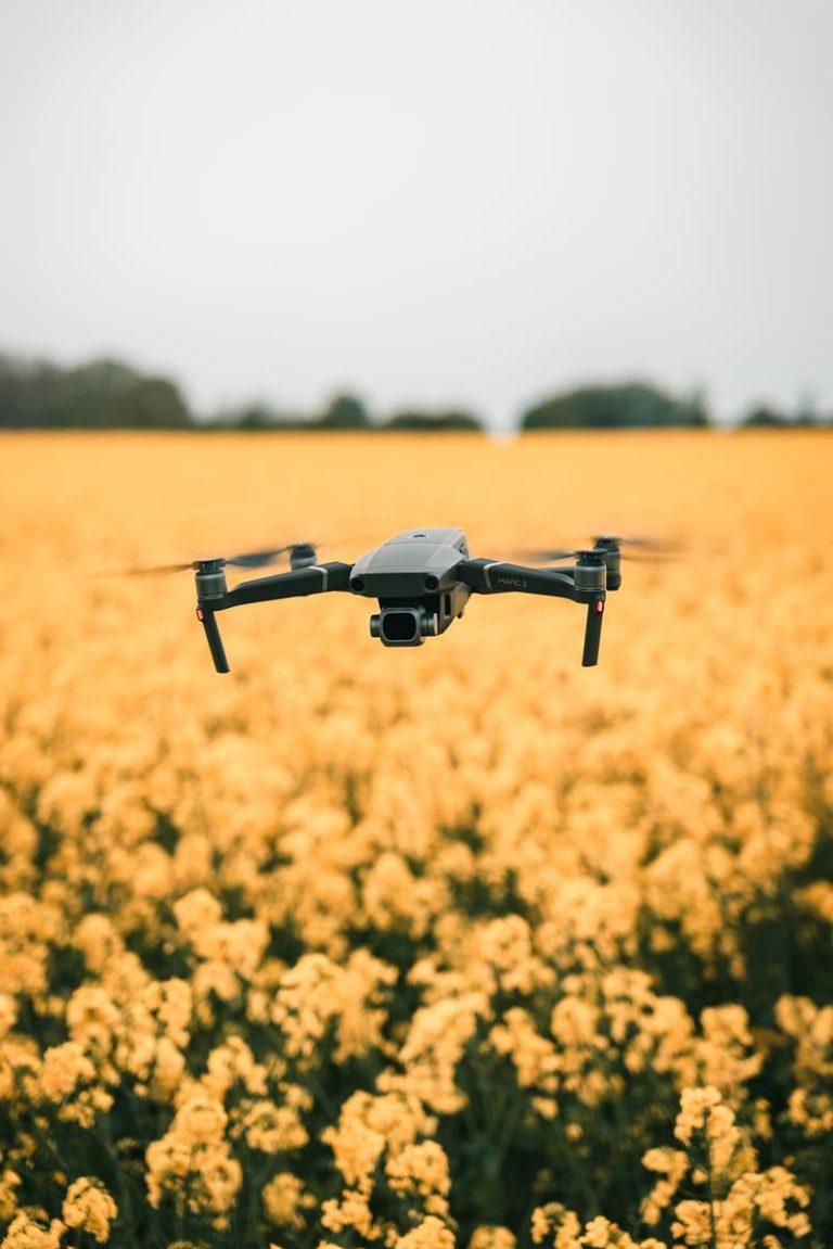 Ciesz się z zabawy swoim dronem