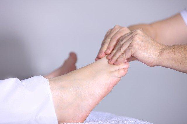 Wkładki ortopedyczne – po co się je nosi?