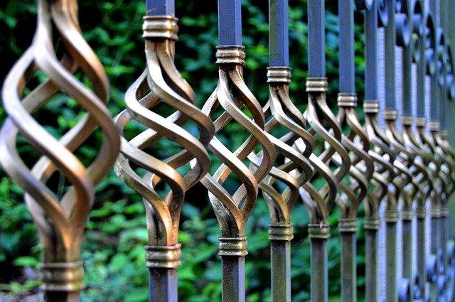 Typy ogrodzeń na posesjach