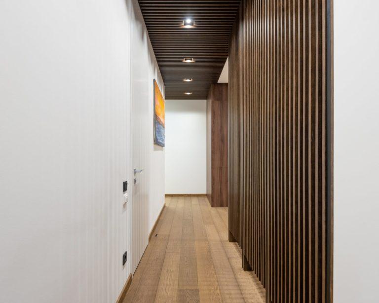 Jak odmienić nudny wygląd swojego korytarza?